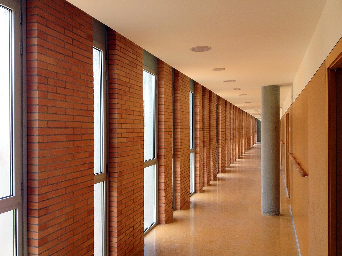 Escola-de-la-Mediterrania-de-la-Barceloneta-03