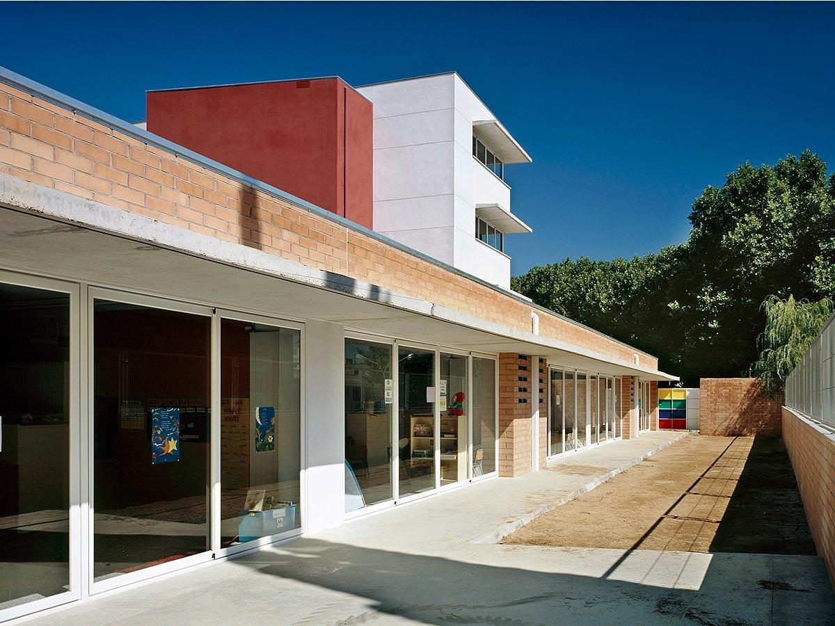Escuela-de-Minerva-de-Calella-03
