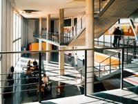 Escuela-de-empresariales-09
