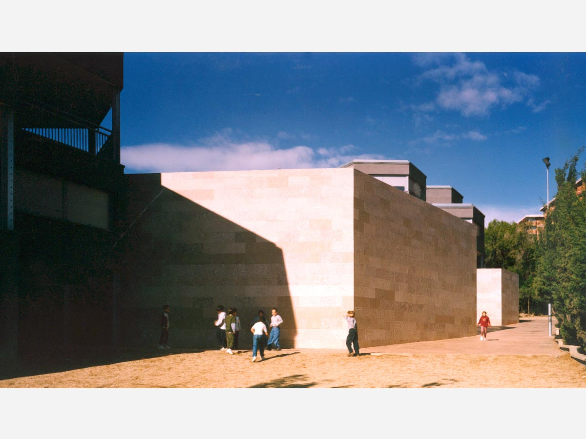 Escuela-de-ensenanzas-integradas-Oriol-Martorell-01