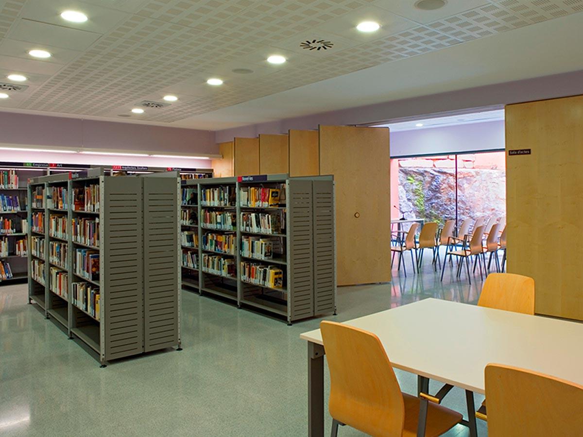 Biblioteca-Joan-Petit-i-Aguilar-de-Sant-Feliu-de-Codines-01