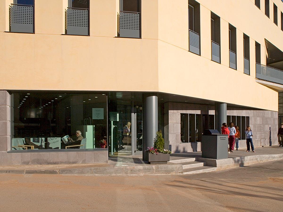 Biblioteca-Joan-Petit-i-Aguilar-de-Sant-Feliu-de-Codines-03