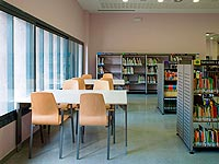 Biblioteca-Joan-Petit-i-Aguilar-de-Sant-Feliu-de-Codines-06