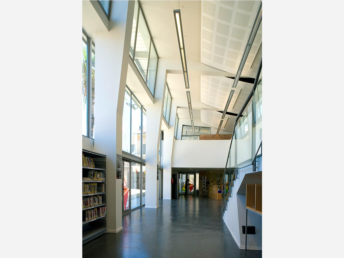 Biblioteca-Pere-Blase-de-Torroella-de-Montgri-07