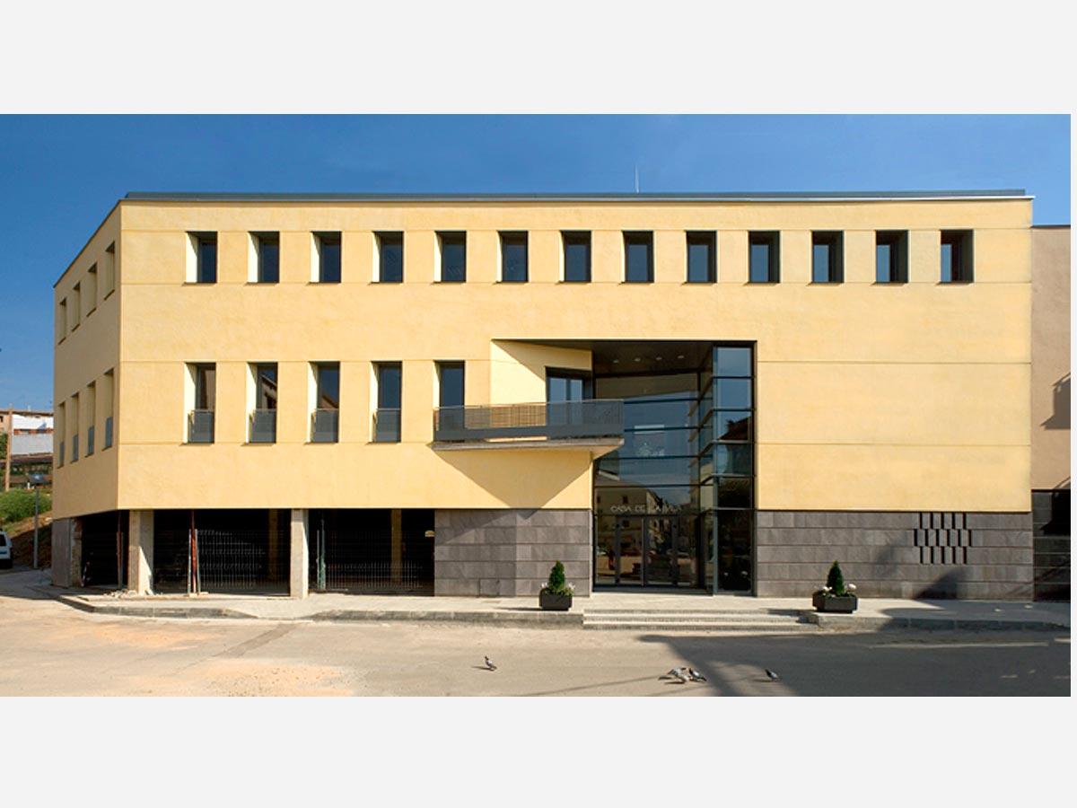 Casa-consistorial-de-Sant-Feliu-de-Codines-01