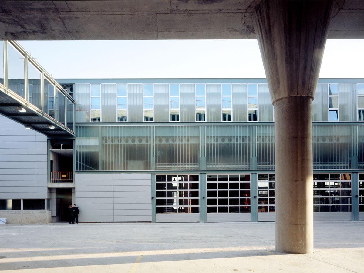 Cotxera d'horta Barcelona. Disseny d'infrastructures i arquitectura per al transport