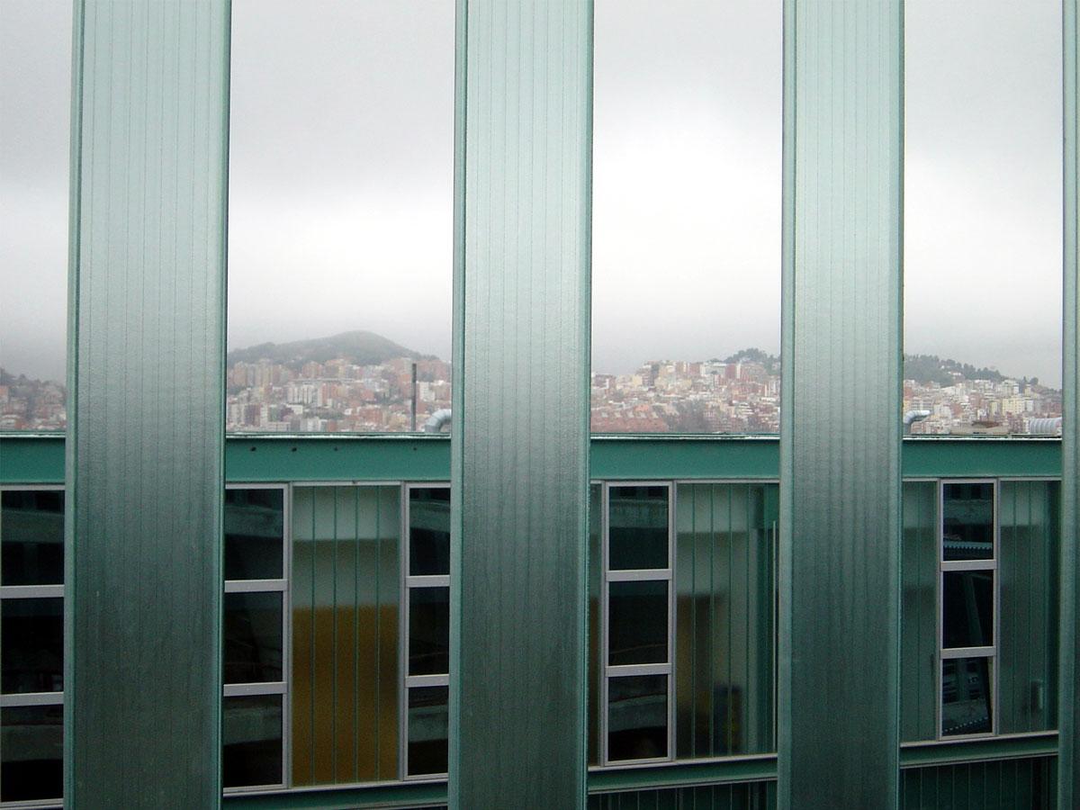 Edificio de U-Glass. Cotchera de autobuses de Horta Barcelona