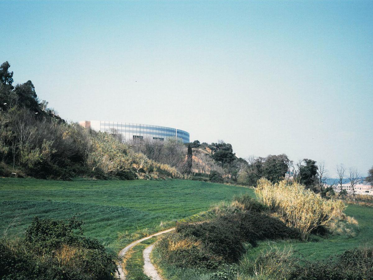 Escuela de empresariales. Diseño y arquitectura para universidades
