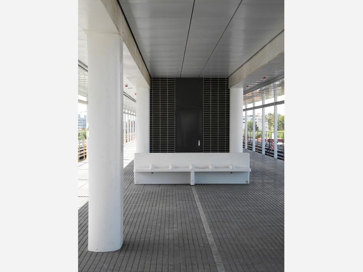 Estaciones de metro línia 9. Diseño y arquitectura